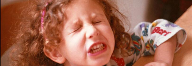 Как проявляется кризис 5 лет у ребенка и что при этом делать родителям