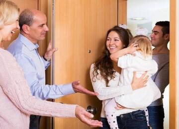 Неприятные родственники: как с ними общаться и когда стоит прекратить