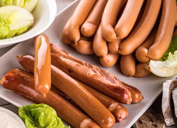 Почему ребенка нельзя кормить сосисками
