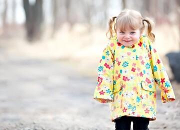 Как правильно выбрать детскую ветровку в весенне-осенний период?