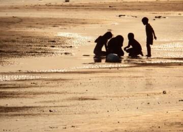 В какие игры для детей можно поиграть на пляже