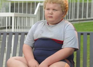 Какие родительские ошибки проводят к ожирению у детей