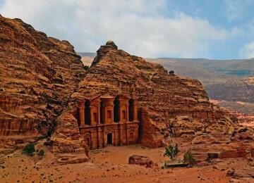 Что известно о городе Петре в Иордании