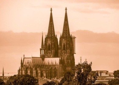 Какое сооружение называют «жемчужиной готической архитектуры»