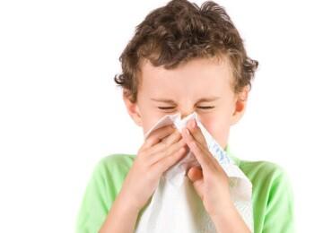 Чем опасна для ребенка домашняя пыль и как с ней бороться