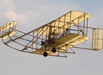 Каким был первым самолёт