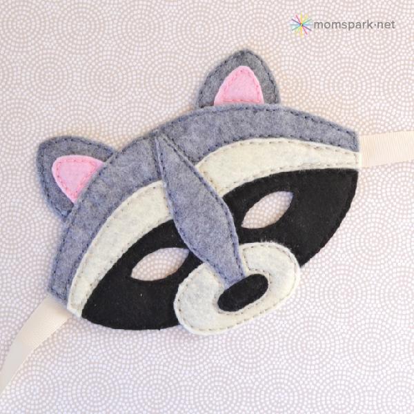 010-raccoonmask-momspark.jpg