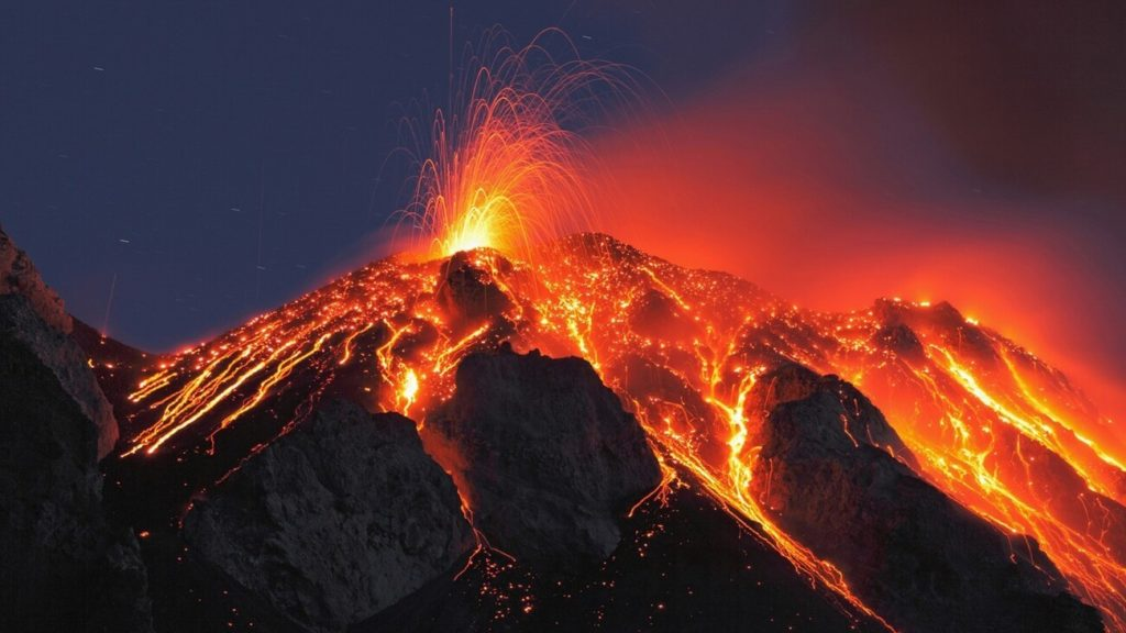 57-1568189949-italy-sicily-stromboli-volcano-eruption.jpg