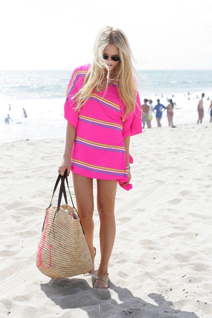 hot-pink-cover-up-beige-thong-sandals-tan-tote-bag-original-11991.jpg