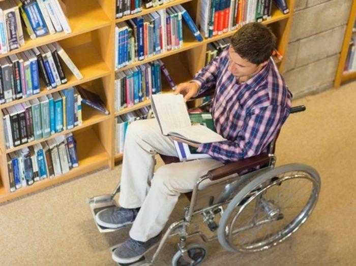 Invalidy-i-ih-obuchenie-v-VUZe-e1542091554536.jpg
