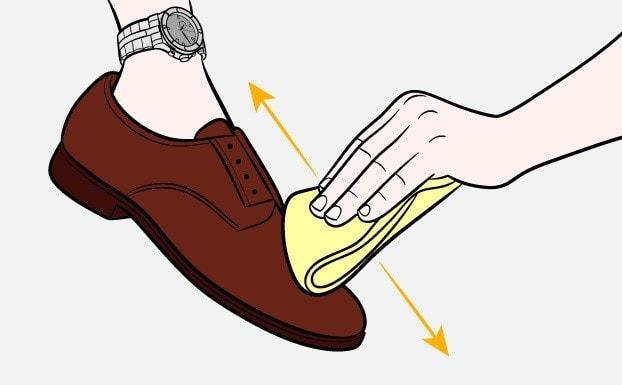 Kak-pochistit-obuv-SHag-2-1.jpg