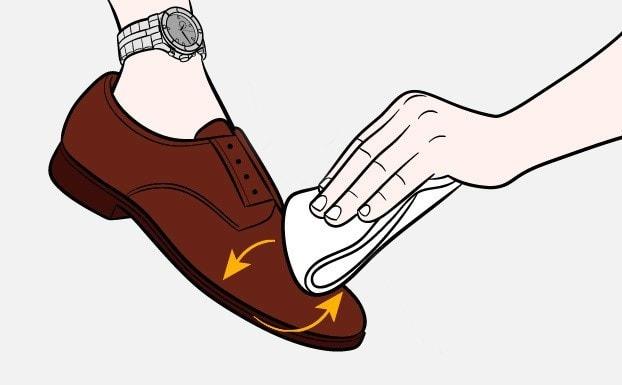 Kak-pochistit-obuv-SHag-4-1.jpg