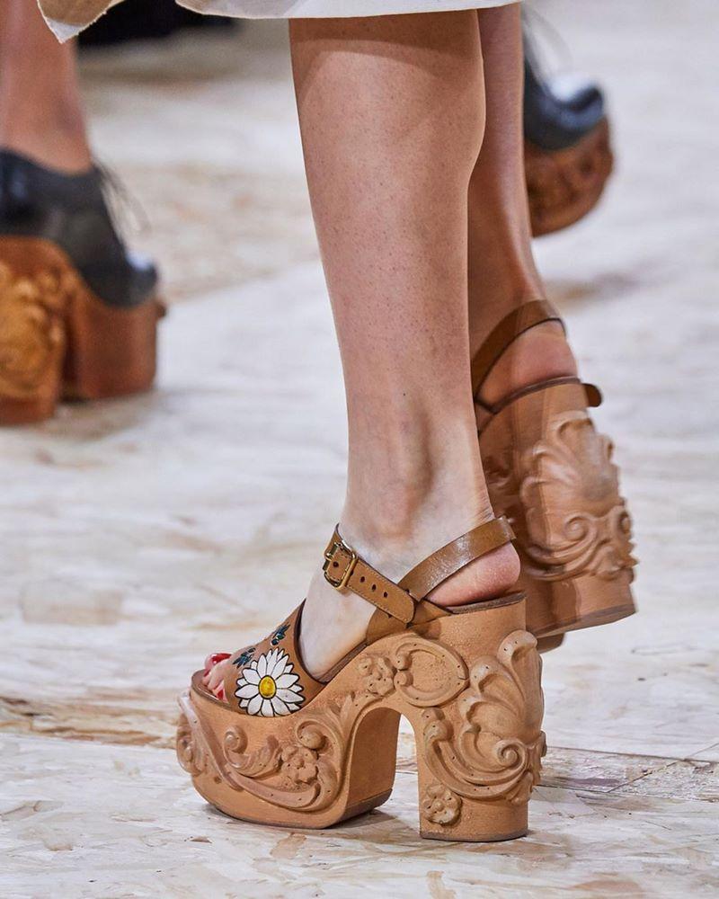 modnaya-obuv-vesna-leto-48.jpg