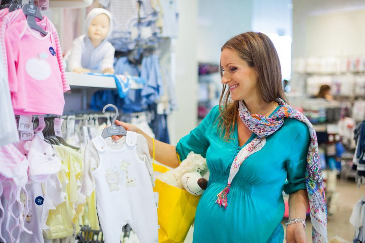 resized_female_pregnancy_shopping_1878296001.jpg