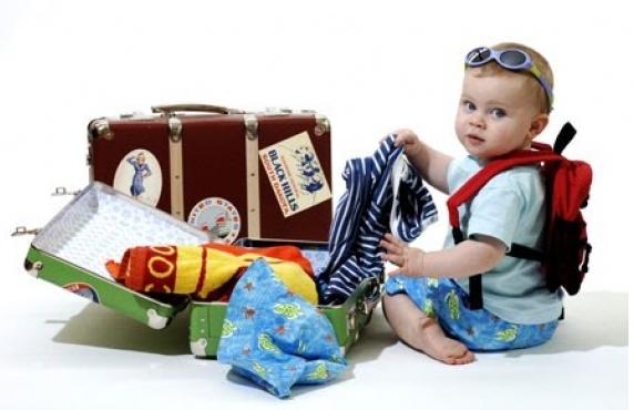 -собрать-чемодан-с-ребенком.jpg