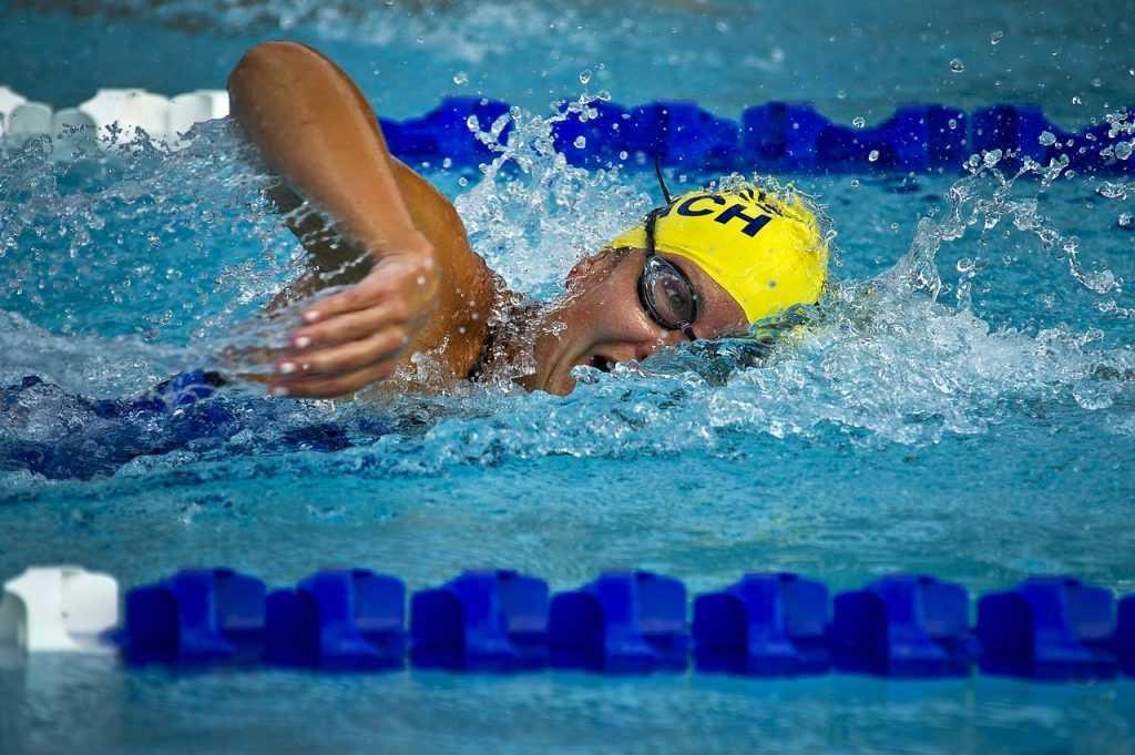 Как правильно плавать