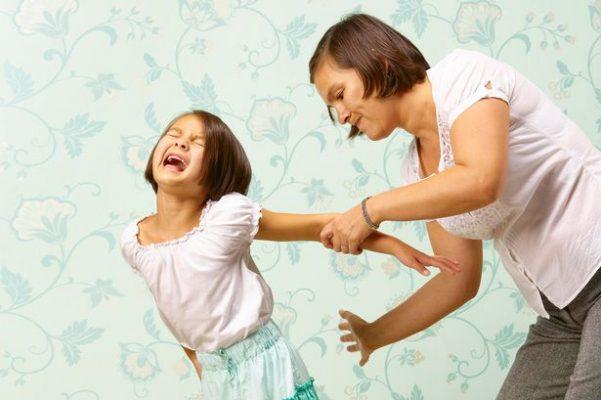 womandiscipliningherdaughter-601x400.jpg