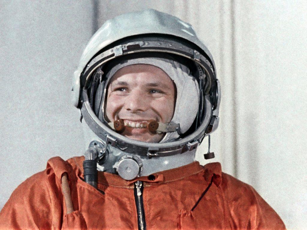 yuriy-gagarin-kosmonavt-letchik